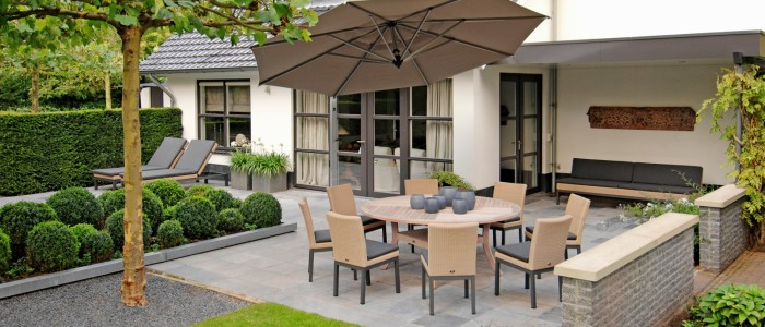 Borek-fibre-Geneva-Siiena-table-Rodi-parasol_preview2-700x300